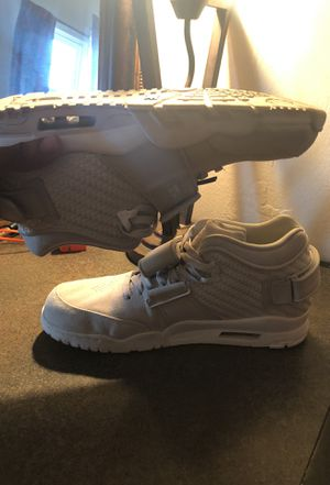 Nike Victor Cruz limited edition size 13. Condition 9/10 asking $50 for Sale in Waldorf, MD