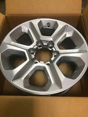 Photo TOYOTA 4RUNNER FACTORY OEM ALLOY WHEELS RIMS (I LOST THE CENTER CAPS) NEW RIMS WITH BOXES I LOST THE CENTER CAPS $250 OBO