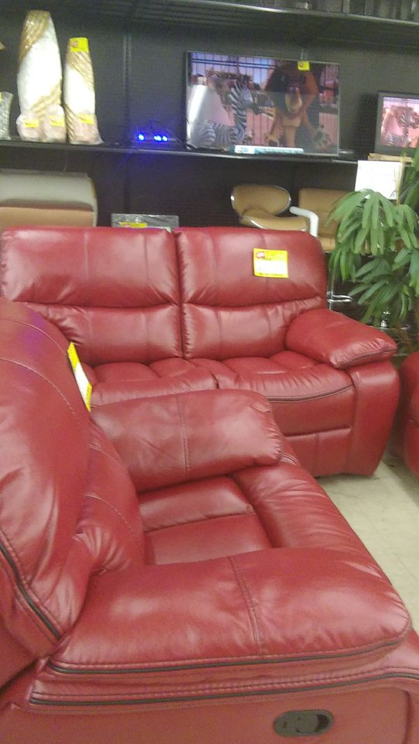 Red 3 Piece Set for Sale in North Fort Myers, FL - OfferUp