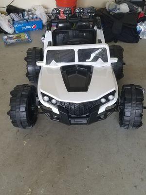 kidz 12v ride on jeep for Sale in Woodbridge, VA