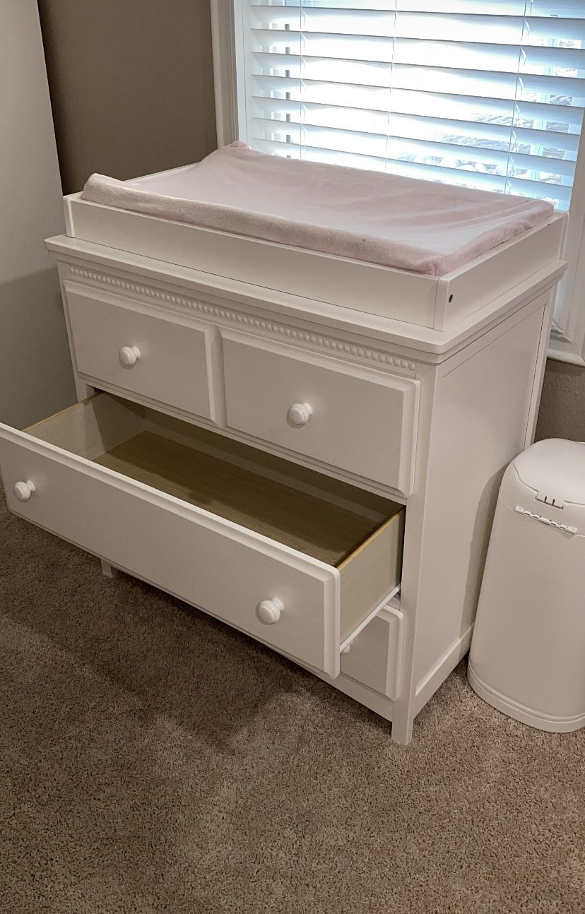 Delta Changing Table