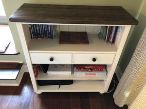 Heartland Bookcase from La-Z-Boy for Sale in Alexandria, VA