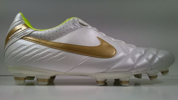 65601964cacb 2011 Nike Tiempo Mystic IV FG 454309-177 Gold White Mens Cleats size 8.5