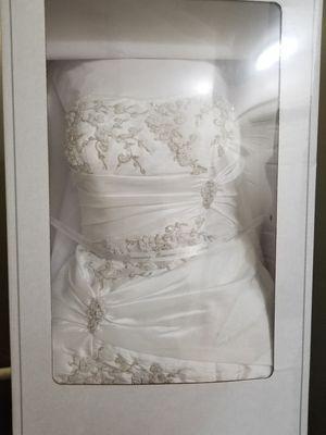 David's Bridal mermaid style taffeta dress for Sale in Waterbury, CT