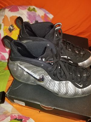 Silver surfers foampostise size 10 1/2 for Sale in Silver Spring, MD