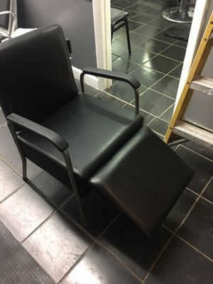 Adjustable shampoo chair for Sale in Mount Rainier, MD