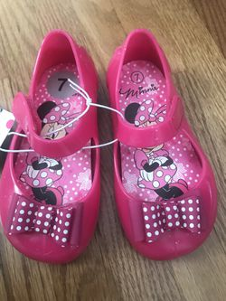 Minnie Mouse girls water shoes size 7 Thumbnail