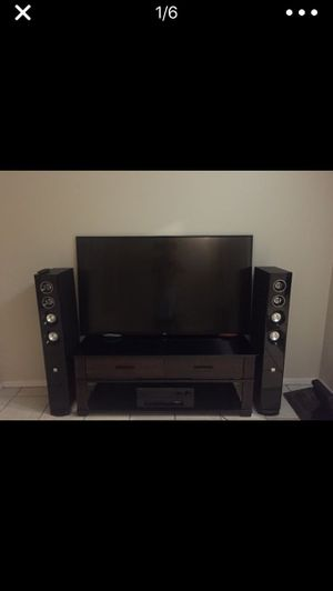 65 inch LG 1080p beautiful tv for Sale in Kissimmee, FL