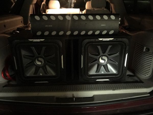 Two Kickers 2500 Watts each plus Audio pipe 3000 Watts Amp for Sale in El  Mirage, AZ - OfferUp