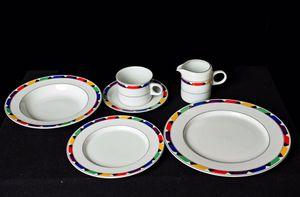 8 piece dinnerware set for Sale in Leesburg, VA