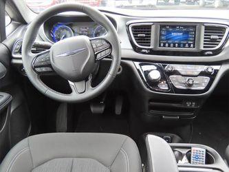 2019 Chrysler Pacifica Thumbnail