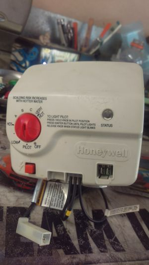 Honeywell hot water heater thermostat board for Sale in Rancho Cucamonga, CA