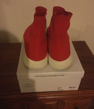 Steve Madden Fling (red) size 12 for Sale in Frederick, MD