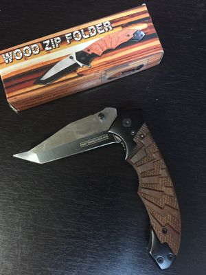 4 3/4 inch folding pocket knife for Sale in Cleveland, OH