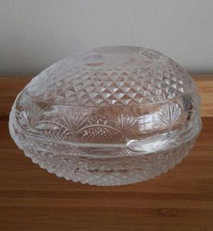 Collectable Avon Crystal Glass Egg/Mother's Day 1977 for Sale in Gaithersburg, MD