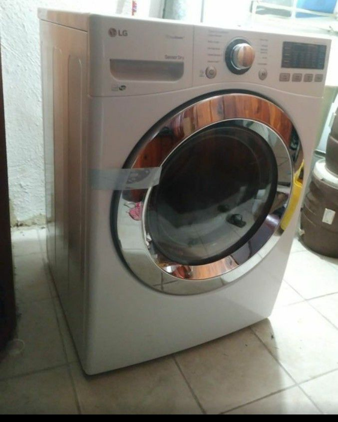 LG electric dryer perfect condition