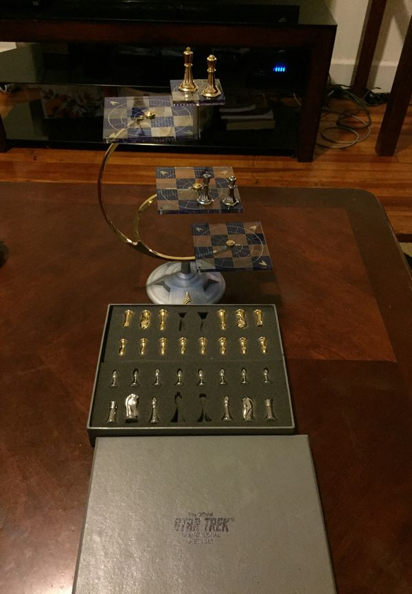 Star Trek Tridimensional Chess Set For Sale In Indianapolis In