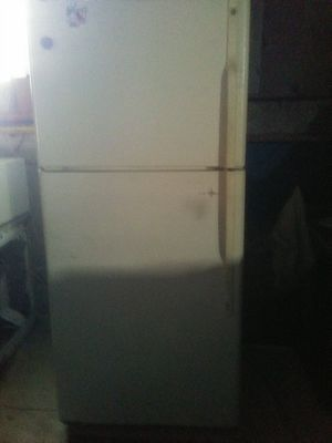 Ge refrigerator for Sale in Lynchburg, VA