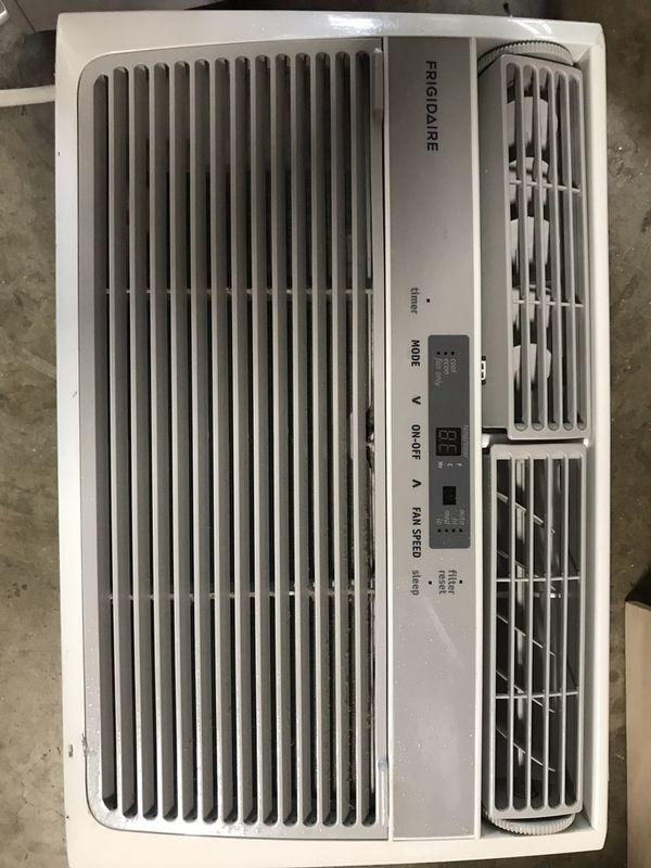 Frigidaire FFRA0622S1- 6000 BTU window AC for Sale in Oregon City, OR -  OfferUp