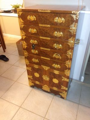 Antique jewerly dresser for Sale in Raleigh, NC
