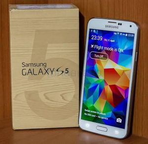 Samsung galaxy S5 like new unlocked for Sale in Ashton, MD