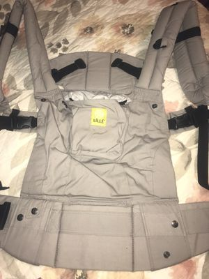 Lille baby carrier for Sale in Winston-Salem, NC