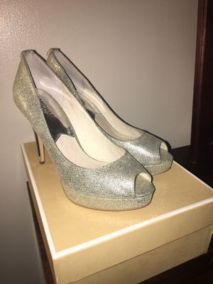 Michael Kors Silver Glitter Peeptoe Stilettos for Sale in Glen Burnie, MD