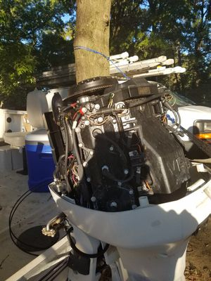 Hi I'm selling a 225hp 97 engine the engine is broken the block is good for parts everything else is in good condition for Sale in Fort Washington, MD