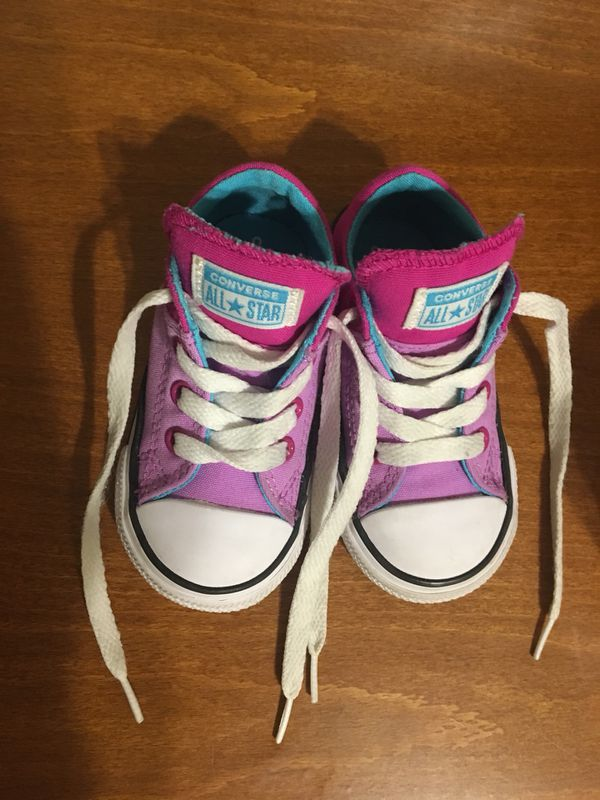 8e11d8a05771 Girls size 5 shoes Converse for Sale in Buckeye