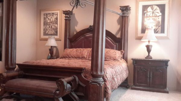King Ashley S Casa Mollino Bedroom Set For In