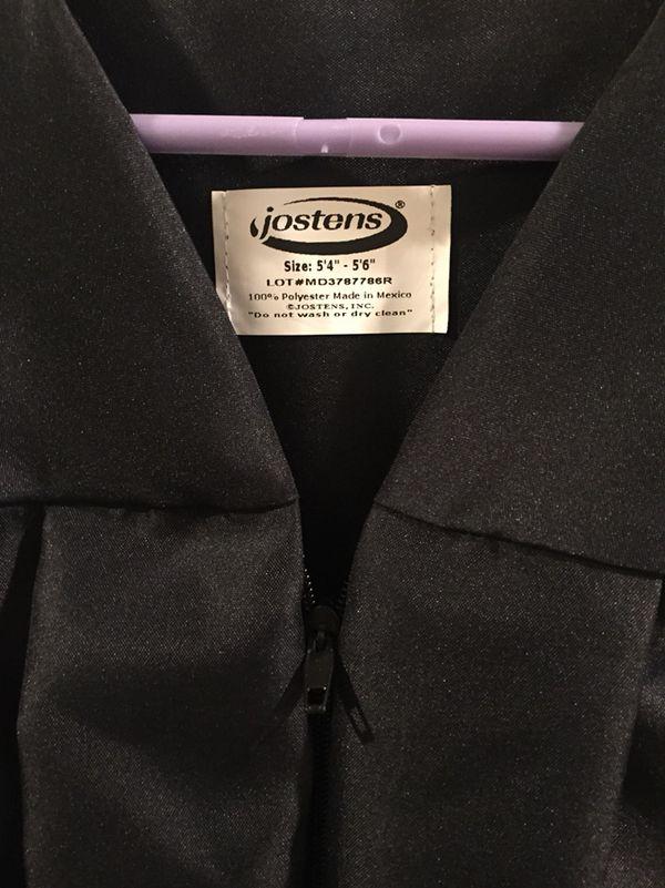 Jostens Black Graduation Gown (Size 5\'4\