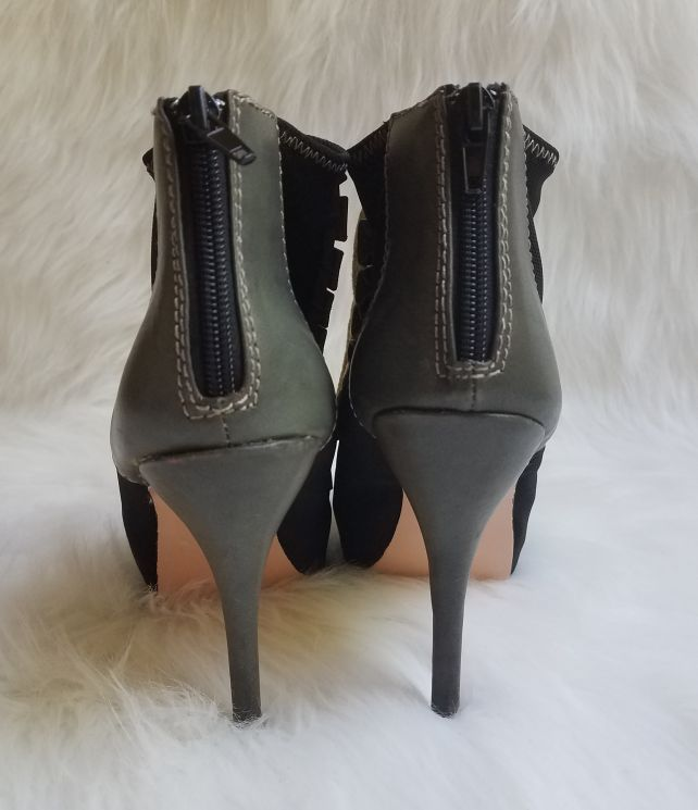 Women's Betsey Johnson Zoey Lace Up Zip Up Heels Size 9M