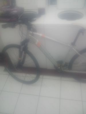 Photo L.L.Bean Sport Trail 27.5 Mountain Bike