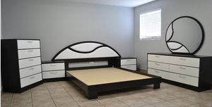 QUEEN BEDROOM BLACK AND WHITE for Sale in Hollywood, FL