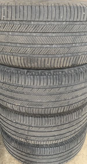 Photo 4-17 inch tires