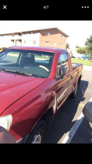 Toyota Tacoma 2008 tiene 191 000 millas no estoy usando y pago seguro poreso la vendo for Sale in Alexandria, VA