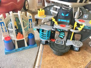 3 sets(Joker, justice league , and Batman lair) for Sale in Oxnard, CA