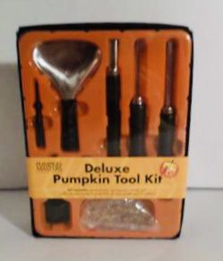 NEW IN BOX Pumpkin Masters Deluxe Pumpkin Tool Kit for Sale in Independence, OR