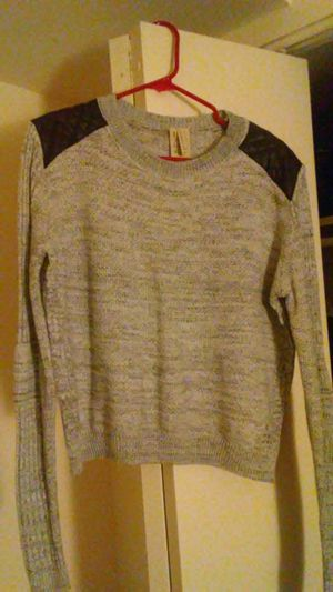 Women's Sweater With Leather Shoulder XL for Sale in Hyattsville, MD