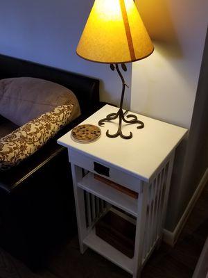 Solid Oak End Table w Drawer for Sale in Manassas, VA