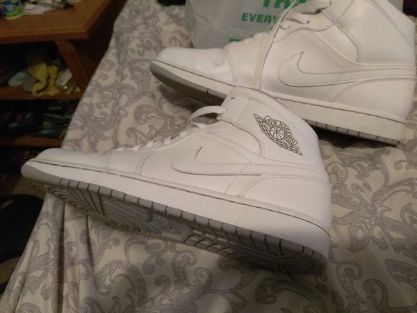 Siste Jordan 1st all white all clean fresh for Sale in Cleveland, OH SQ-03