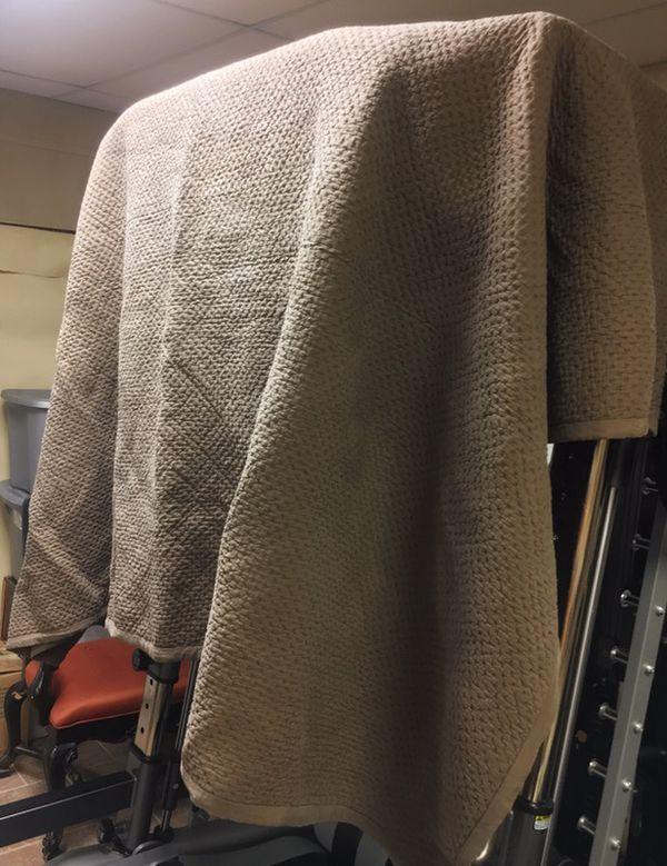 Restoration Hardware Large Washed Silk Quilt For Sale In Greenville