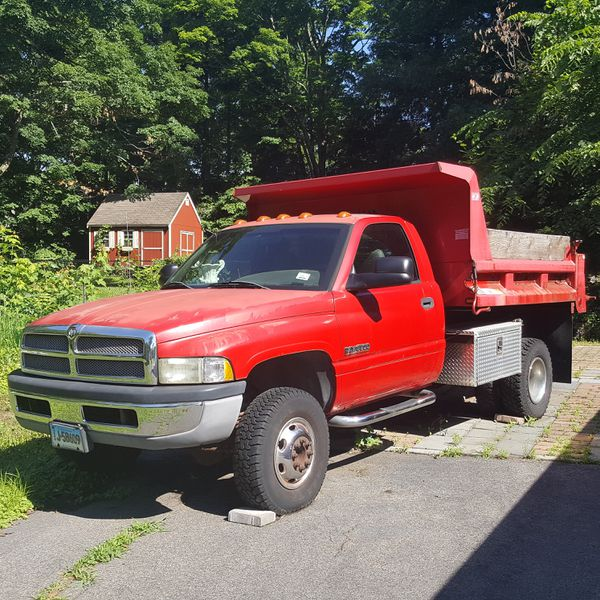 Year 2000 Dodge Ram Dump Truck 4wd 7500 The Truck Sits In The
