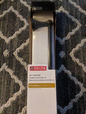 Delta Providence Venetian Bronze Single Towel Bar 24-in for Sale in Annandale, VA