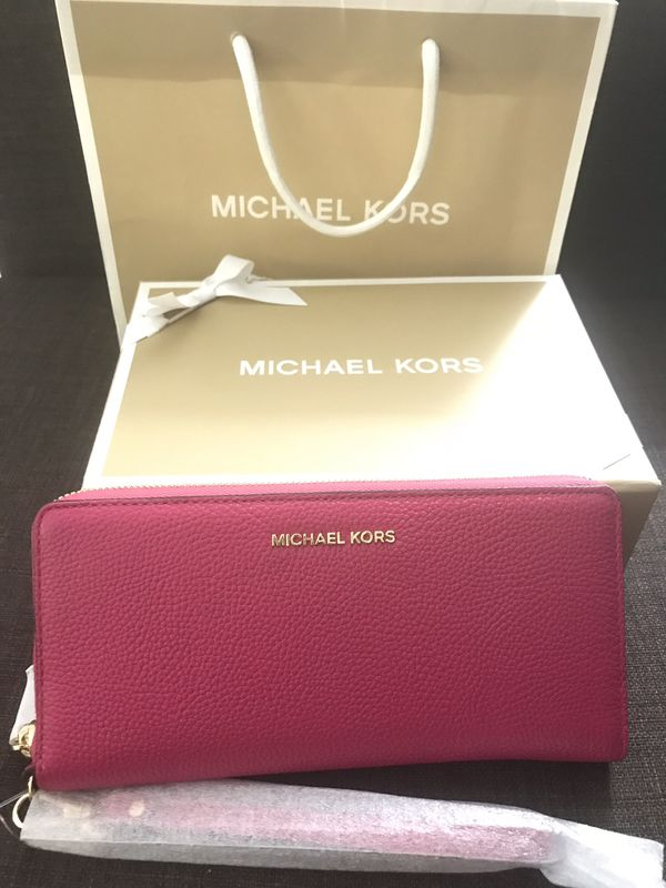 8b28c7b57e49 Authentic Michael Kors Wallet for Sale in Chino Hills, CA - OfferUp