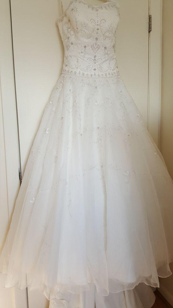1741f355800 OLEG CASSINI SATIN BODICE ORGANZA WEDDING DRESS for Sale in ...
