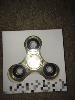 FIDGET SPINNERS!!! VARIETY OF COLORS!!! Thumbnail