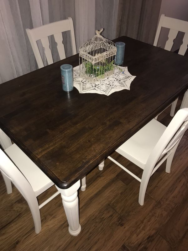 farmhouse kitchen table chairs for sale in boys town ne offerup. Black Bedroom Furniture Sets. Home Design Ideas