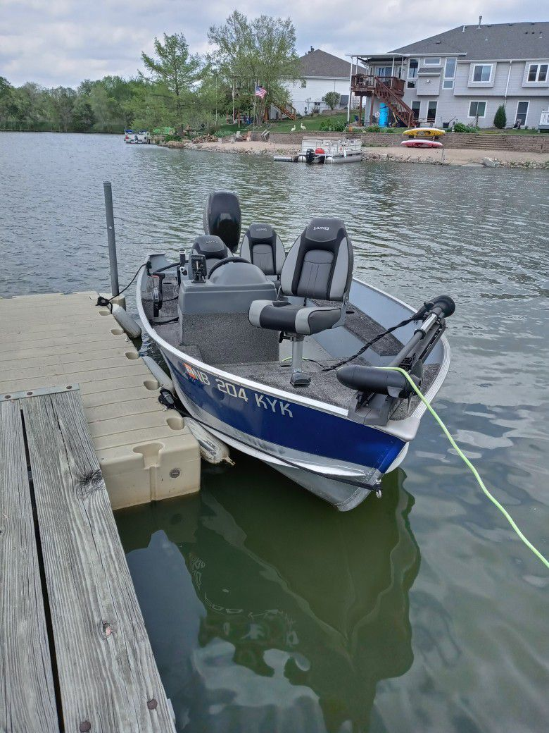 Photo Great deal on Lund fishing boat.