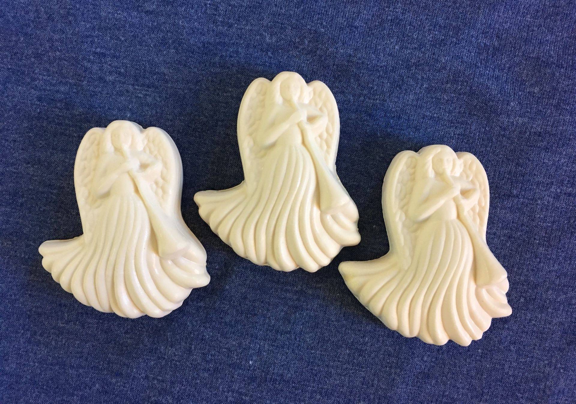 Avon Set of 3 Angel Decretive Soaps